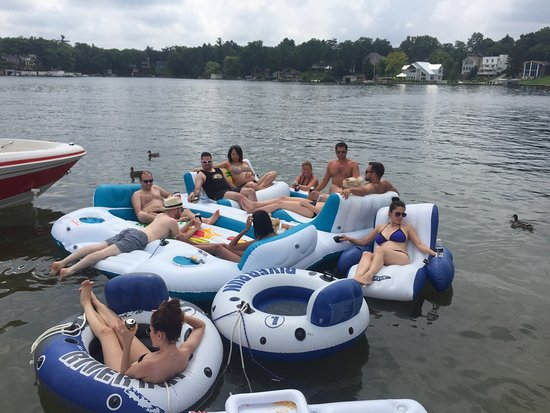 Lake Orion, MI: Great Day on the Lake with Team Floatie !