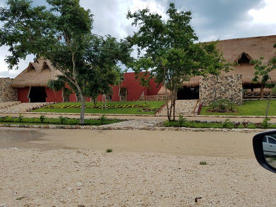 Yucatan, Mexico: Main entrance on left and resturant and bar on the right
