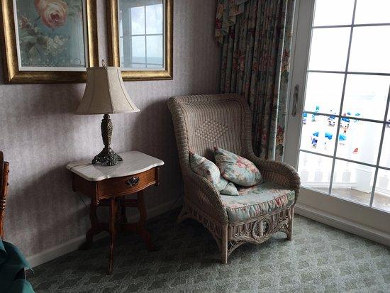 Boardwalk Plaza Hotel: Living room