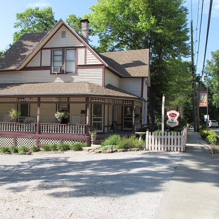 front of the Inn from private parking lot
