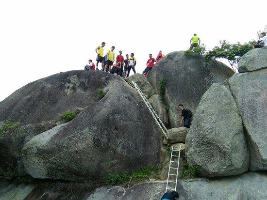 Negeri Sembilan, Malasia: Gunung Datuk