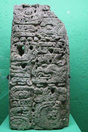 Rufino Tamayo Museum of Pre-Hispanic Art: Historia en heroglificos