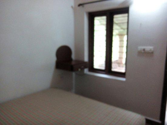 Punarjani Resorts: IMG_20160731_071359_large.jpg