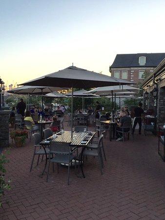 rivermarket bar kitchen tables outside - Rivermarket Bar And Kitchen