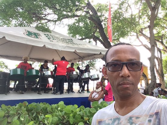 Приход Сент-Майкл, Барбадос: Pan Pun de Sand 2