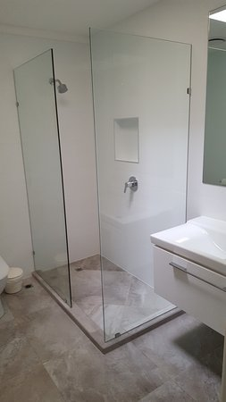 Sunshine Coast, Australia: Spacious bathroom
