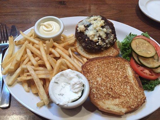 Buffalo Restaurant & Bar: Lamb burger medium