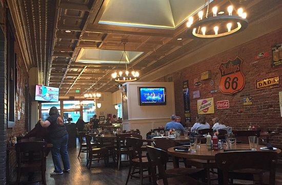 Buffalo Restaurant & Bar: 7:25 pm Friday night 8/5
