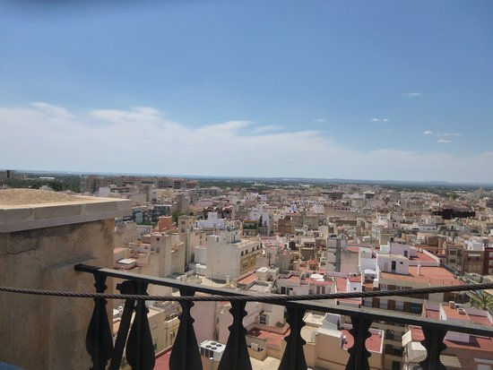 Uitzicht vanop de toren picture of basilica de santa maria