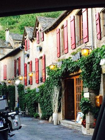 Plaisance, França: Un charmant petit Hotel súr les hauteurs d'un magnifique petit village.