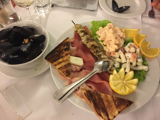 Ristorante Pizzeria Benaco: Antipasto Titanic e Maccheroni al pomodoro (menù bimbi)