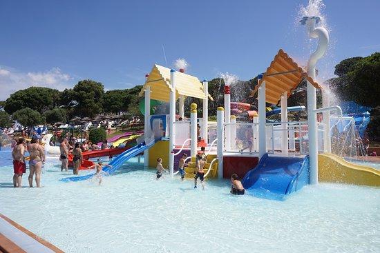Palafolls, Spanien: Zona acuática infantil, excelente para niños