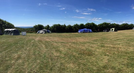 Teneriffe Farm Campsite: Very generous pitches at Teneriffe Campsite