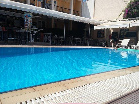 Hotel Telesilla: piscina