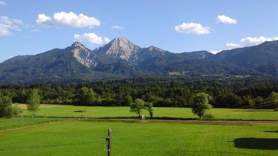 Ledenitzen, ออสเตรีย: Blick aus dem Fenster.