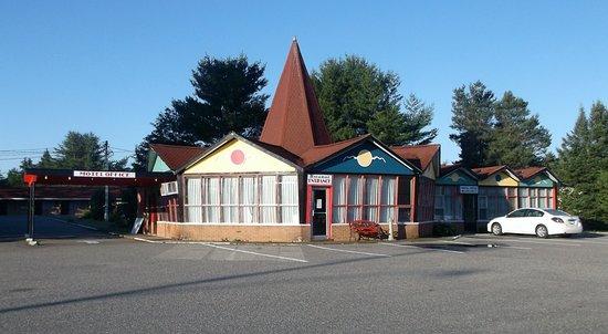 Iron Bridge, Kanada: Restaurant et réception