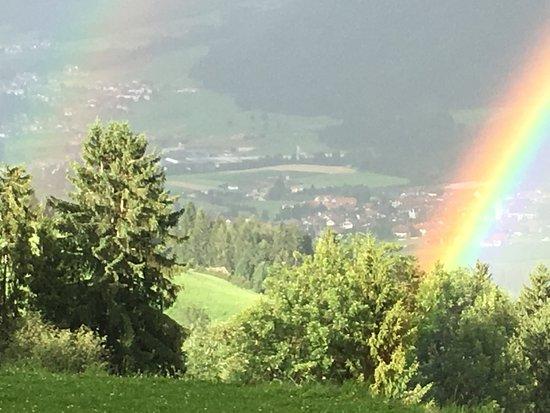 Baerenhotel: mehrere Regenbogen gleichzeitig/