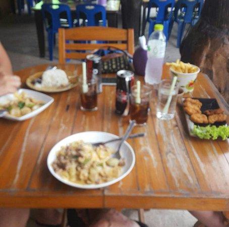 Prachuap Khiri Khan Province, Tayland: Tam Mai Restaurant