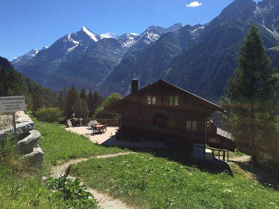 St. Niklaus, سويسرا: Bien situé pour le calme et la vue