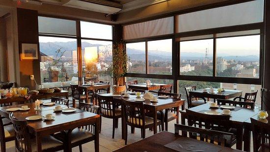Premium Tower Suites Mendoza: Cafe da Manha
