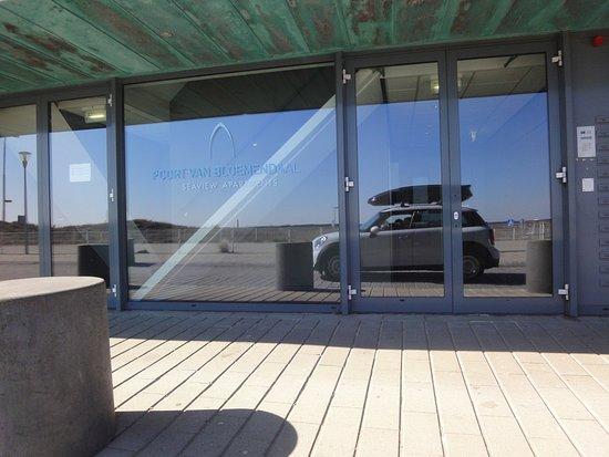 Appartementenhotel Bloemendaal aan Zee: Eingang