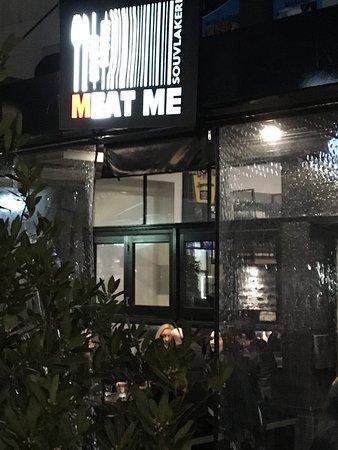 Oakleigh, Australia: Outside of restaurant