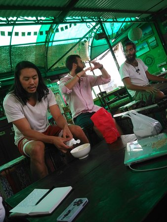 Alobar1000 Hostel: Sadly we had just one night at the alobar1000 it is a great place to meet new people and it has