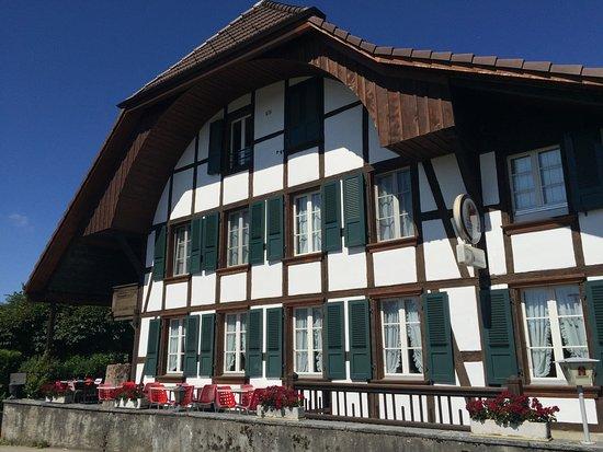 Zollikofen, Schweiz: In diesem altehrwürdigen Haus aus dem Jahr 1736 befindet sich die Aussicht.