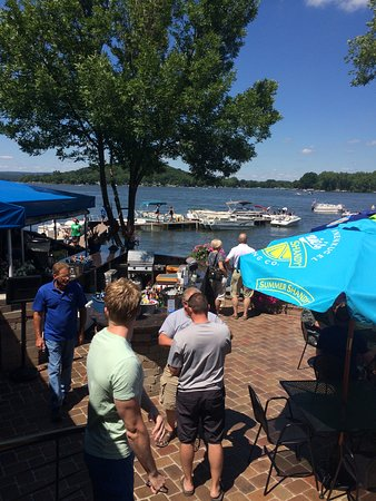 Lodi, WI: Relax, you're on the lake