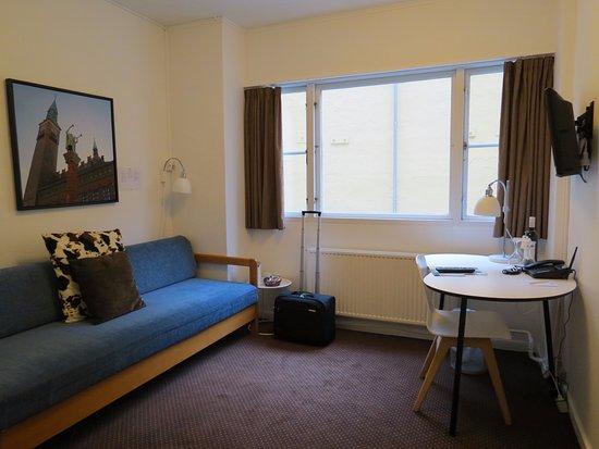 Savoy Hotel: Nuestra habitación tenía una antesala