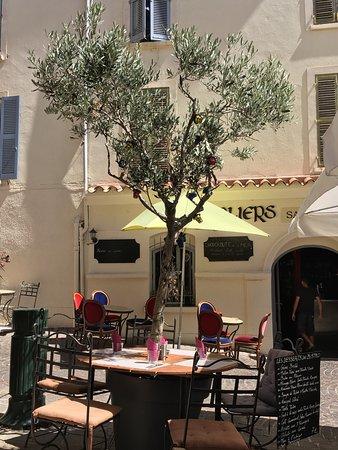 Restaurant les templiers hy res 83 bild von les for Cuisine 83 hyeres