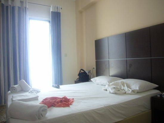Kamari Blu Hotel : Bedroom