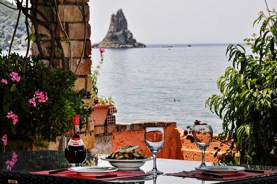 Seaside Restaurant Snack Bar Dandidis: Dandidis Seaside Restaurant