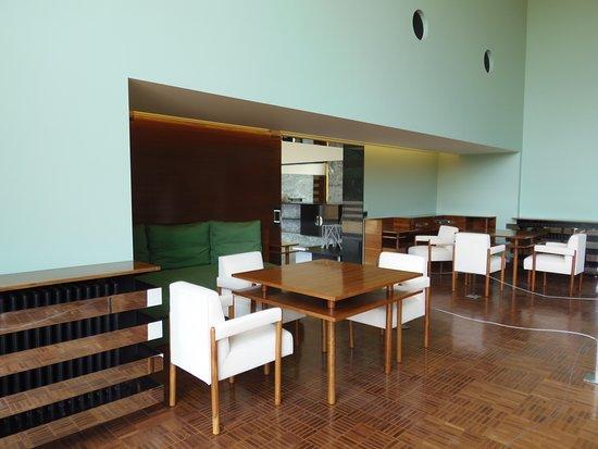 photo de la villa cavrois prise depuis le jardin villa cavrois croix tripadvisor. Black Bedroom Furniture Sets. Home Design Ideas