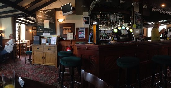 Rose and Crown: The Rose & Crown - a lovely family place to eat and be entertained