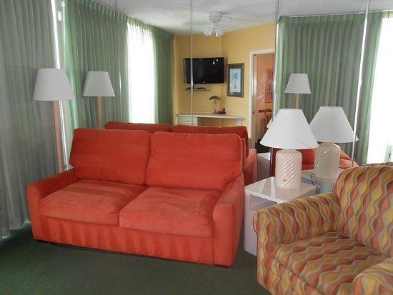 Ocean East Resort Club: Sleeper sofa