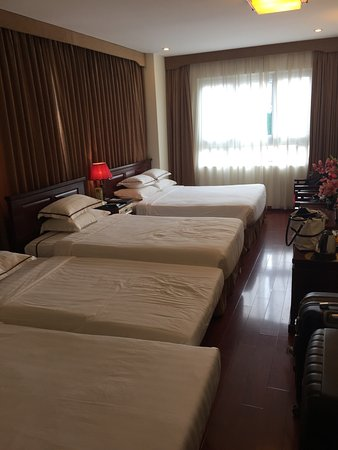 Hanoi Imperial Hotel: Bedroom