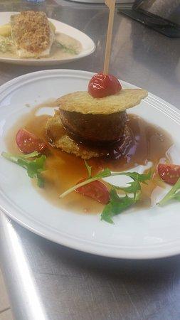 """Hotel-Restaurant Le Puy Blanc: Tournedos de canard """"comme un burger"""""""