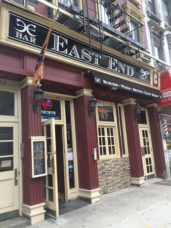 ‪East End Bar & Grill‬