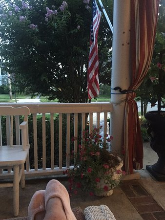 Spring Lake Inn: Chillin' on the front porch - nice neighborhood - 1 block from the beach.