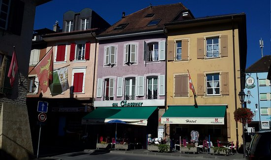 Orbe, Schweiz: Le Chasseur, part of the historic town