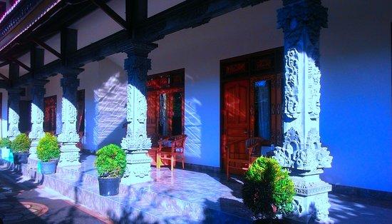 Hotel Melati Viktor: pemandangan dari luar
