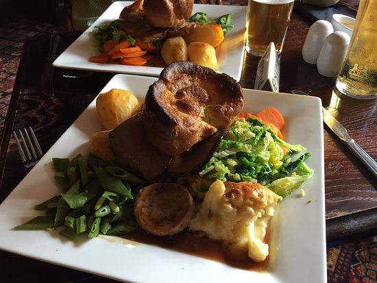 Eccleshall, UK: Delicious Sunday roast lunch