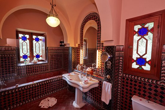 Dar Ayniwen Villa Hotel: Galaxy Suite Bathroom
