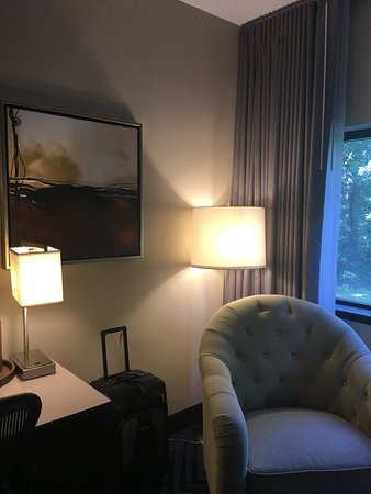 Plainsboro, นิวเจอร์ซีย์: nice corner and lighting