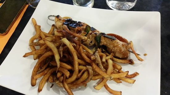 Lormont, France: plat brochette et frites