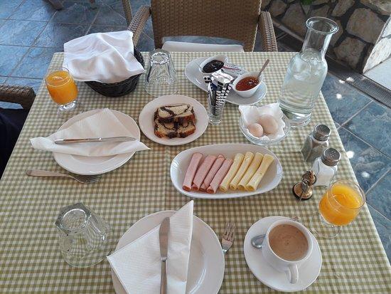 Hotel Florakis