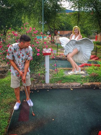 Back to the 50's Mini Golf
