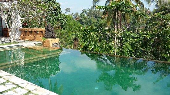 Sunset Hill: Sehr schöner Pool