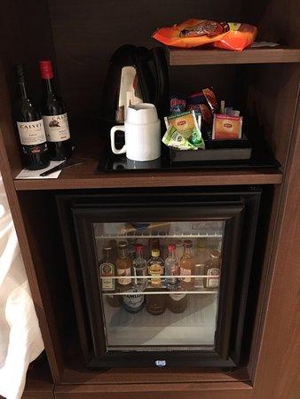 Clarion Hotel Winn: välfylld minibar, gratis kaffe/te